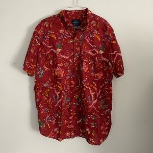American Eagle Floral Print Button Down Shirt